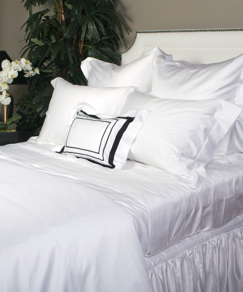 white Milos bed with Ricam Art sham