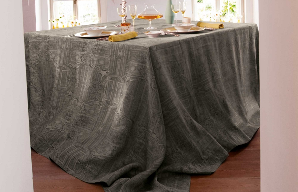 Palazzo tablecloth by Leitner